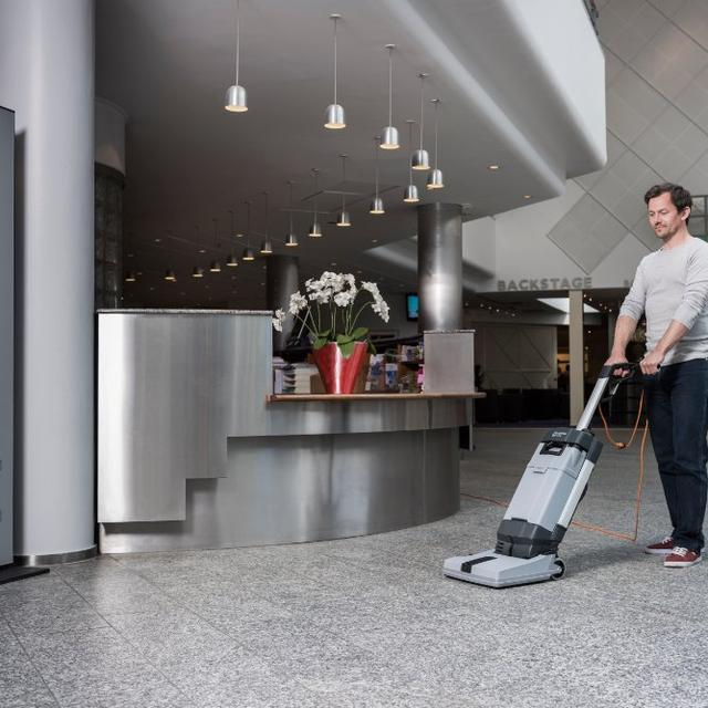 Nilfisk SC100 Cleaning Hotel